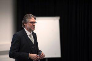 Prof. Georg Gnandt, Leiter der Abteilung Gymnasien im Staatlichen Seminar für Didaktik und Lehrerbildung Freiburg