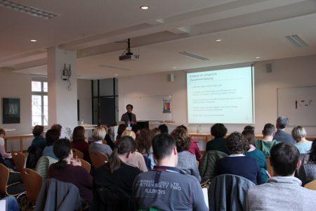 Prof. Dr. Jörg Wittwer beim Vortrag in Offenburg